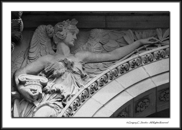 Relief detail on the exterior of the Art Institute of Chicago.